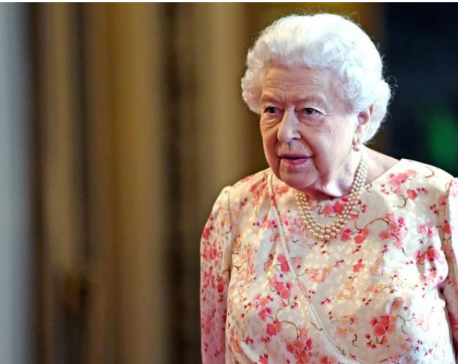 Queen applauds photographers who captured lockdown Britain