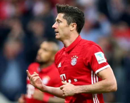 Bayern crush Dortmund 4-1 with Lewandowski double
