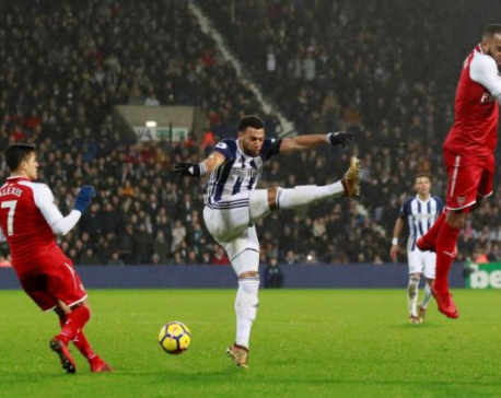 Controversial penalty earns West Brom draw with Arsenal
