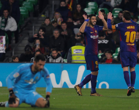 Messi, Suarez lead Barca romp, Real crush Deportivo