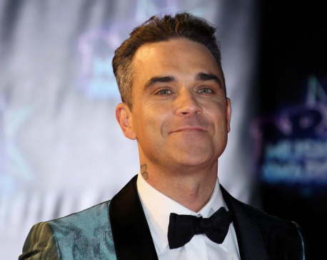 Singer Robbie Williams to release first-ever Christmas album