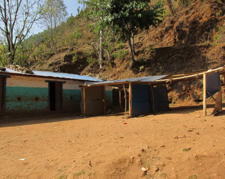 School in municipality running classes under zinc sheets