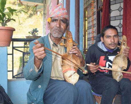 Post-quake pain in soulful sarangi