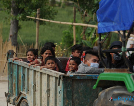 Those stranded in Lalitpur sent to Sindhuli (with photos)