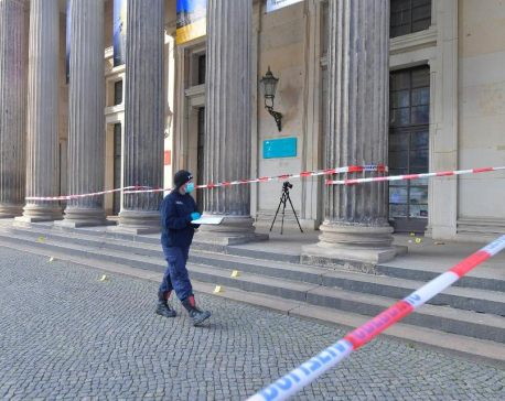 Thieves grab jewels, treasures worth 'up to a billion euros' in Dresden