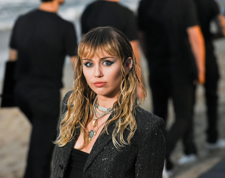 Miley Cyrus cancels bushfire aid show in Australia due to coronavirus warnings