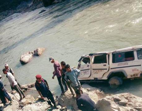 3 killed, 11 injured in Thulibheri jeep plunge