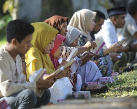 Thousands in Indonesia pray on 15th anniversary of tsunami