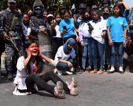 Students close to Oli-led faction observe International Women's Day in capital (with photos)
