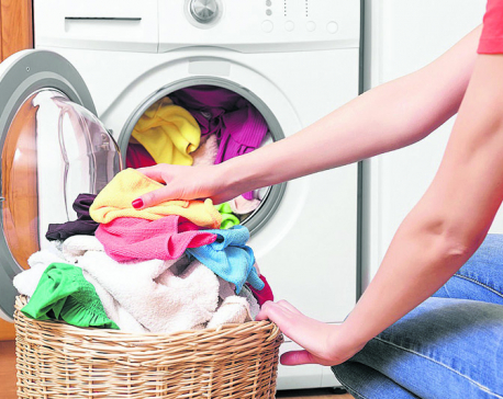 Say Goodbye to Stinky Clothes In Monsoon