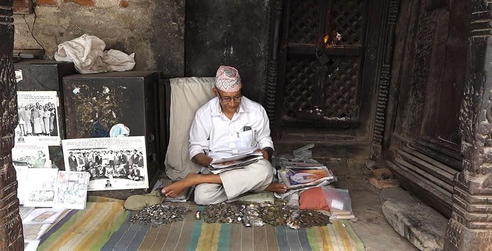Gambirdhoj: An untiring coin collector