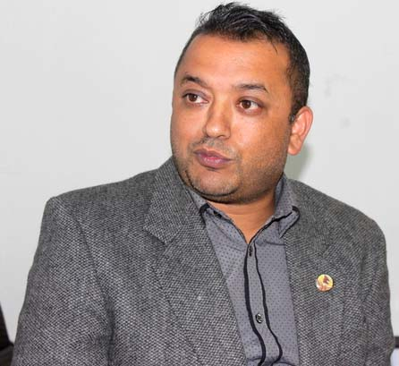 Integrate civil servants pronto: Gagan Thapa