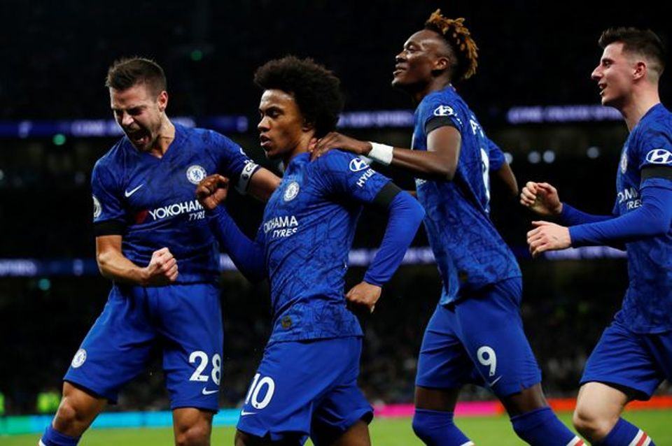 Hornets Sting United as Lampard's Chelsea guns down Mourinho's Hotspurs