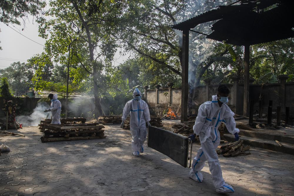 India grieves 200,000 dead with many more probably uncounted