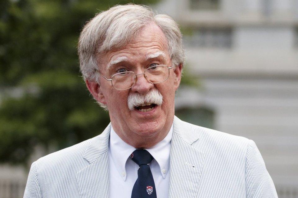 Democrats demand Bolton testify as impeachment trial resumes