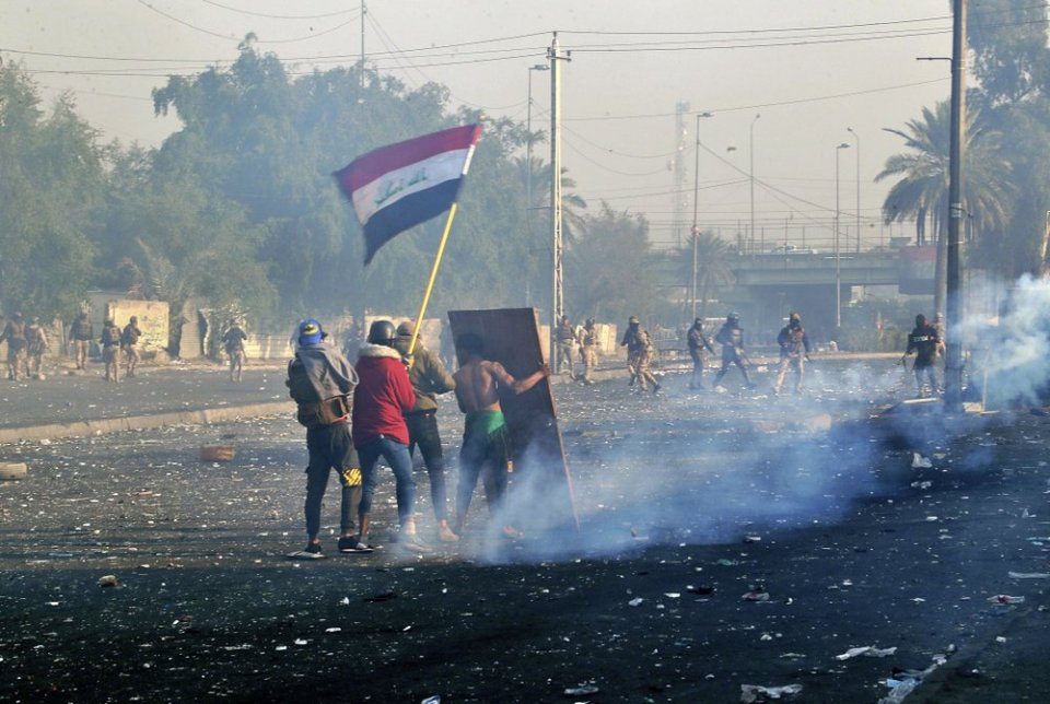 Nighttime rocket attack on US Embassy in Baghdad injured 1