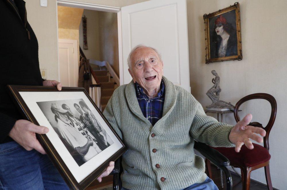 Writer AE Hotchner, friend to Hemingway, Newman, dead at 102