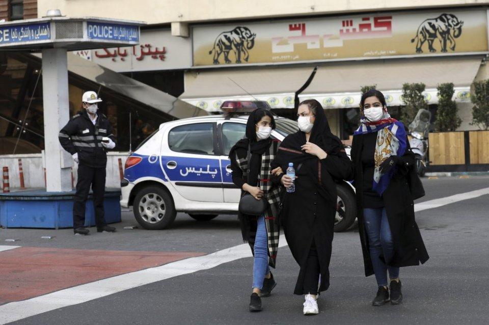 Bahrain temporarily stops Dubai, Sharjah flights over virus