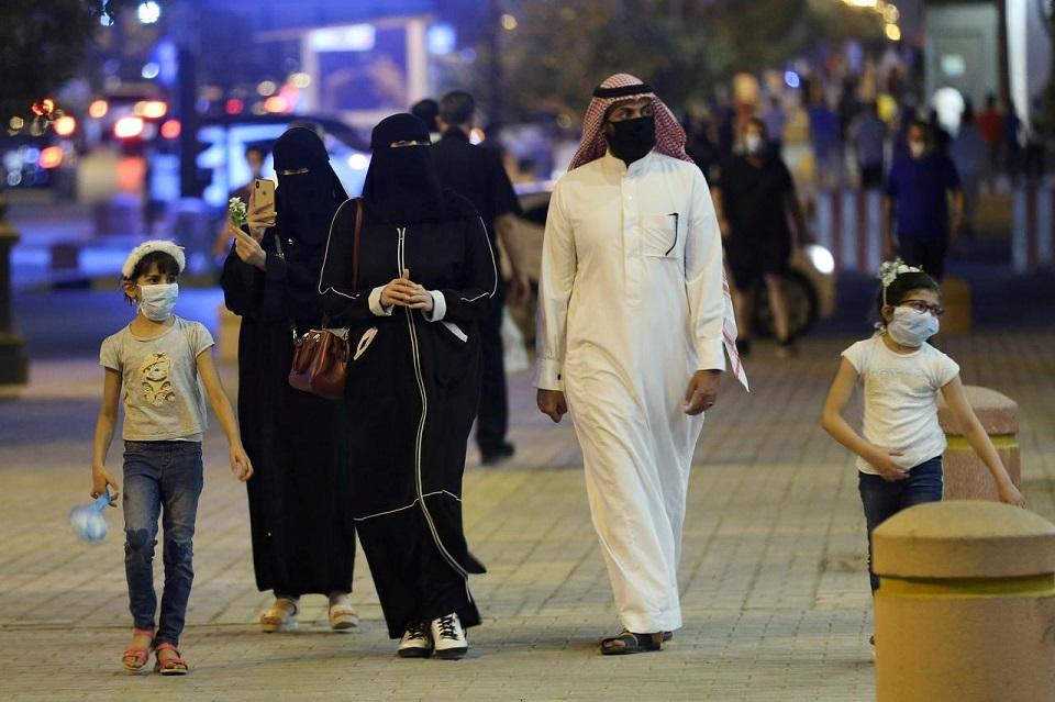 Gulf coronavirus infections surpass 400,000, Reuters tally shows