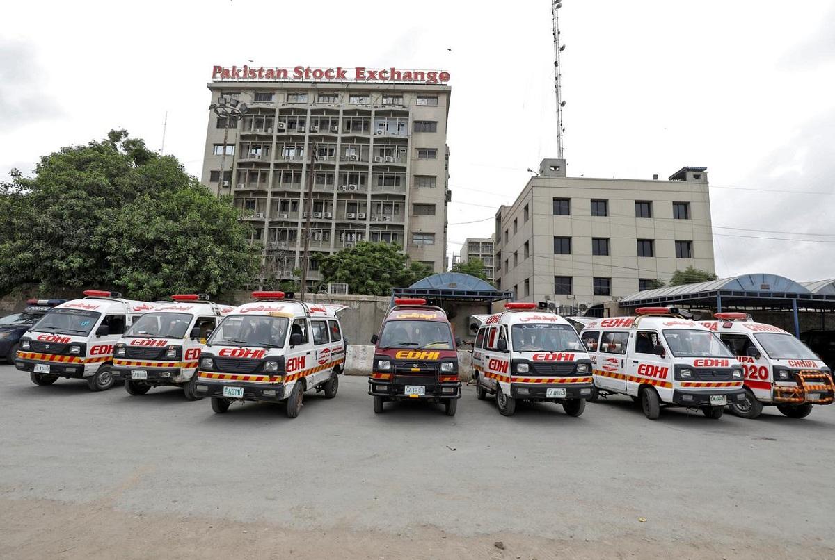 Gunmen attack Karachi stock exchange, killing at least 3