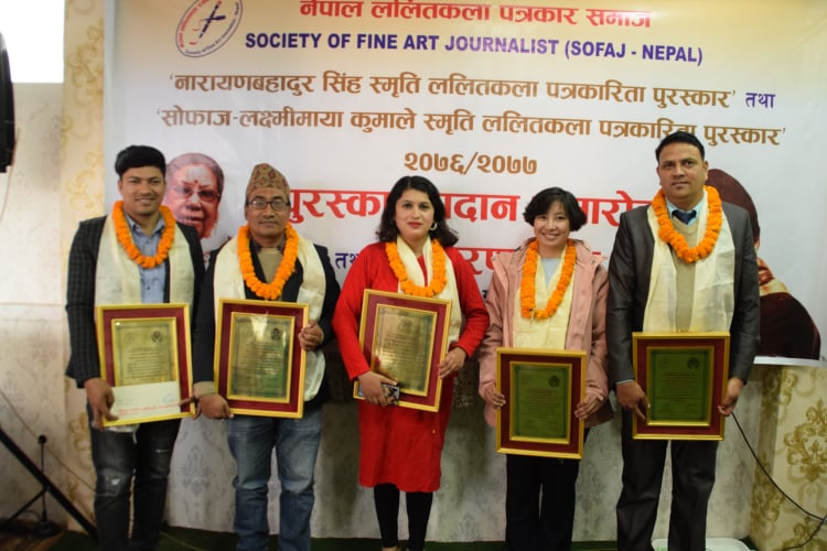 Five journalists receive 'Fine Arts Award'