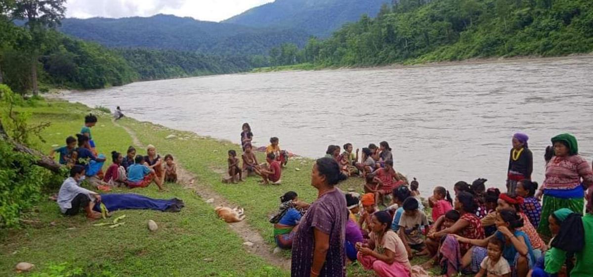 Boat accident in Karnali River: one dead, three still missing