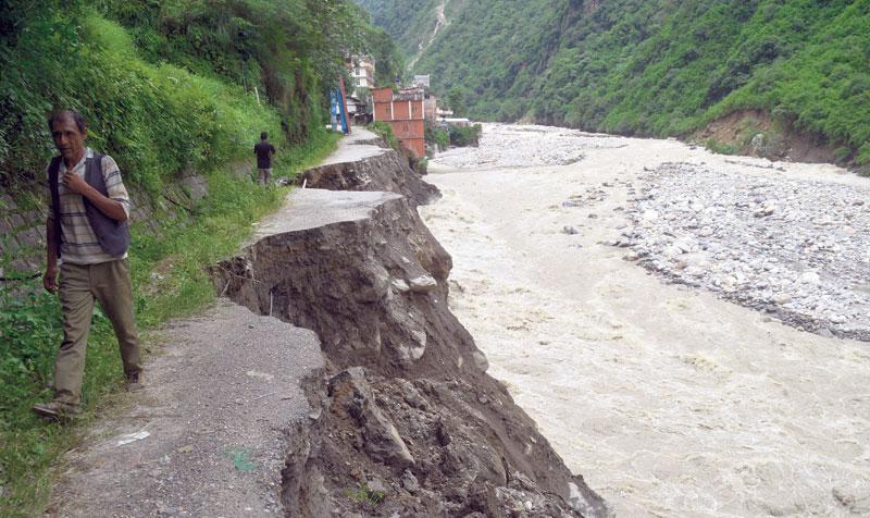 Landslide blocks Tamor, settlements at risk