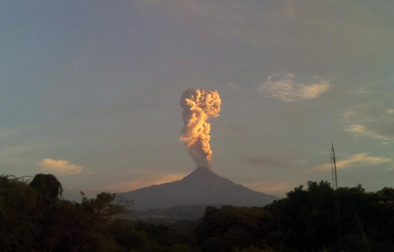 Volcano eruption in Aleutian Islands sparks aviation alert