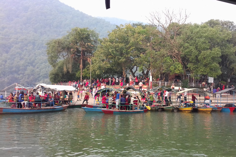 Pokhara abuzz with tourists to welcome English New Year