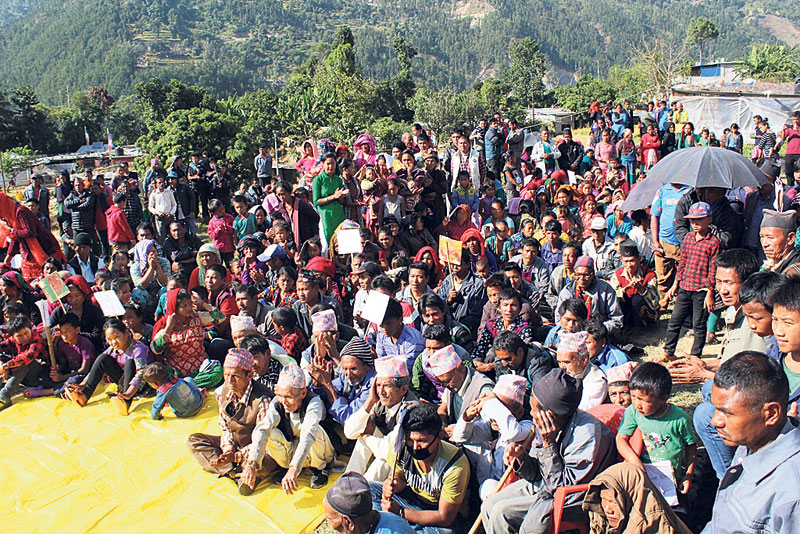 Quake victims in Laharepauwa camp brace for another winter under tents
