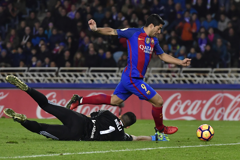 Barca fall six points behind Real Madrid after draw at Real Sociedad