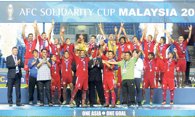 Victorious footballers poised for grand welcome