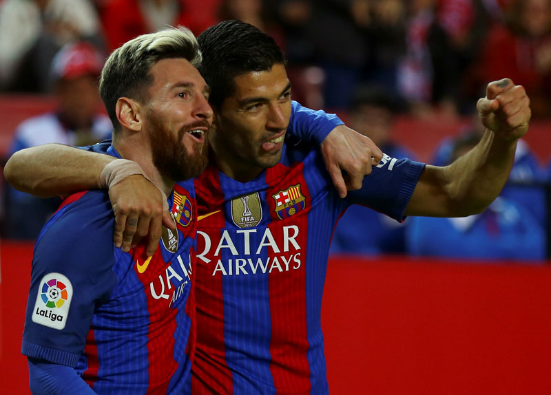 Messi hailed as 'extraterrestrial' after Barca victory