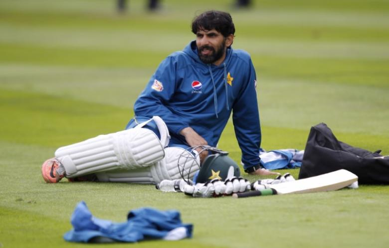 Pakistan captain Misbah banned due to slow over rate