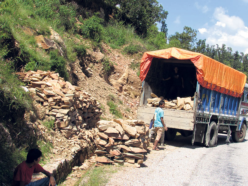 Heavy supply of stones takes toll on KI Singh Highway