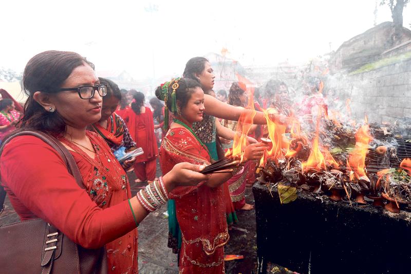 Teej devotees inundate Pashupati