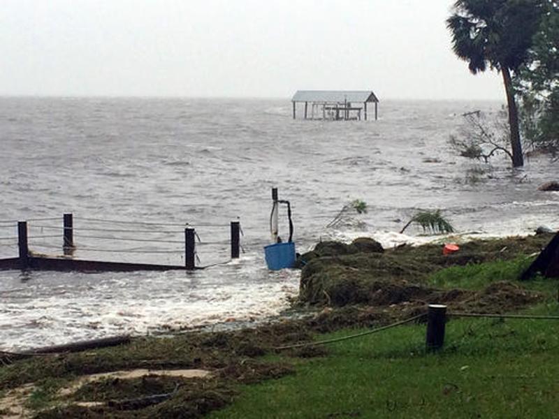 Hermine hits Florida coast as first hurricane in a decade
