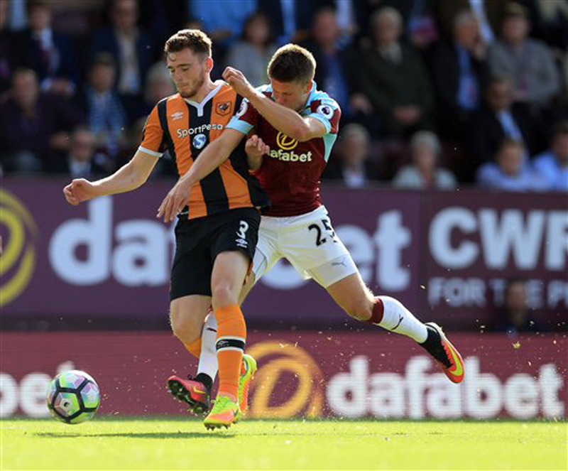 Hull scores late to draw with Burnley 1-1 in EPL