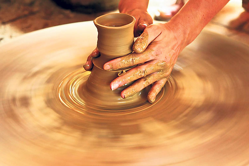 Learn pottery