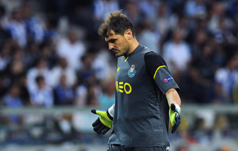 Lopetegui drops record-holder Casillas from Spain's squad