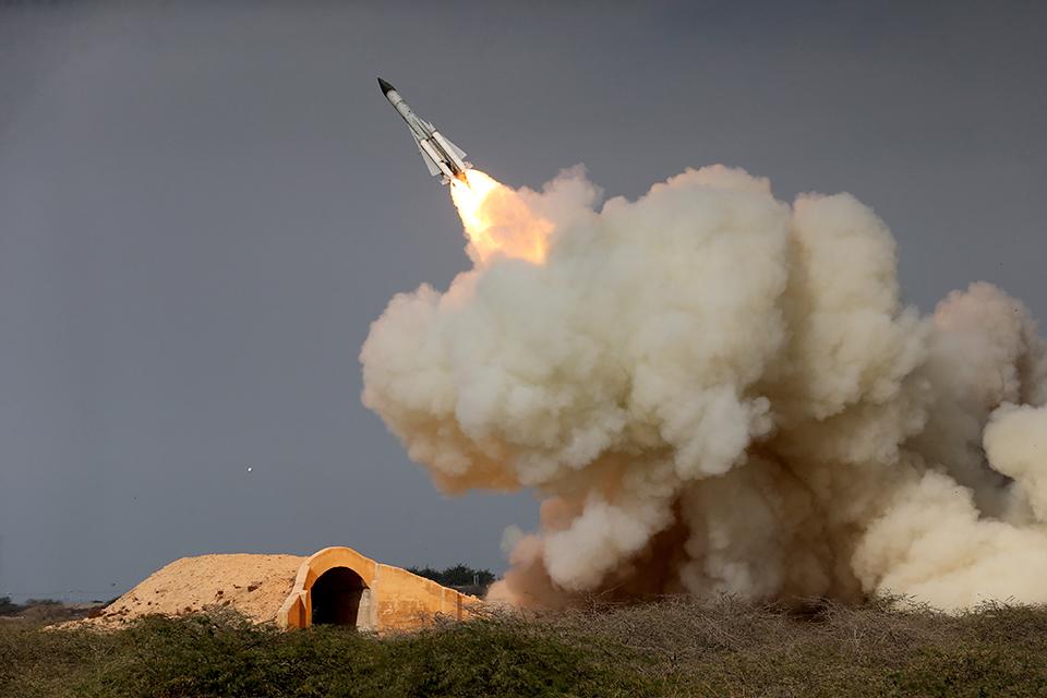 Pakistan test-fires ballistic missile