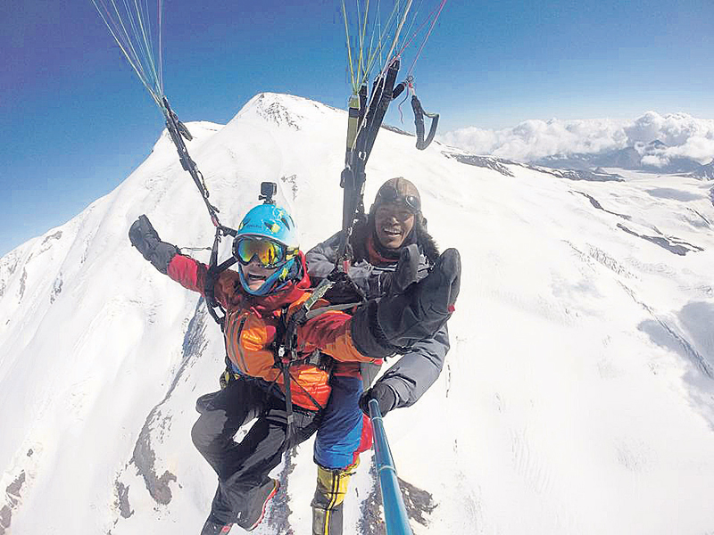 Sunuwar is first to conduct tandem flight from Mt Elbrus