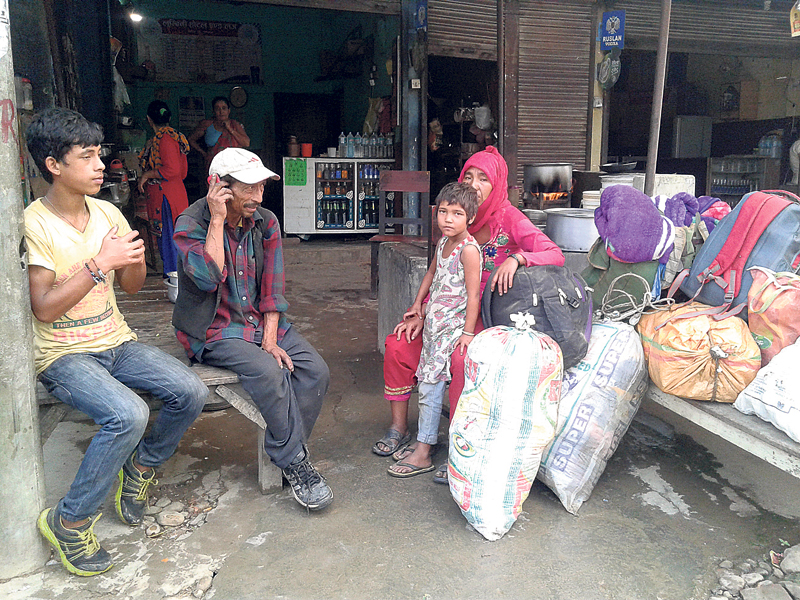 Crossing the border a hassle for Nepalis every Dashain