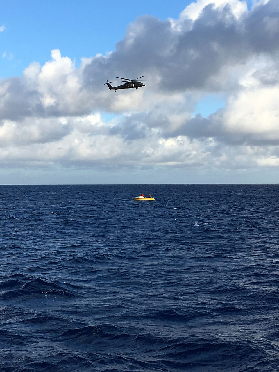 5 missing after Army helicopter crashes in ocean off Hawaii