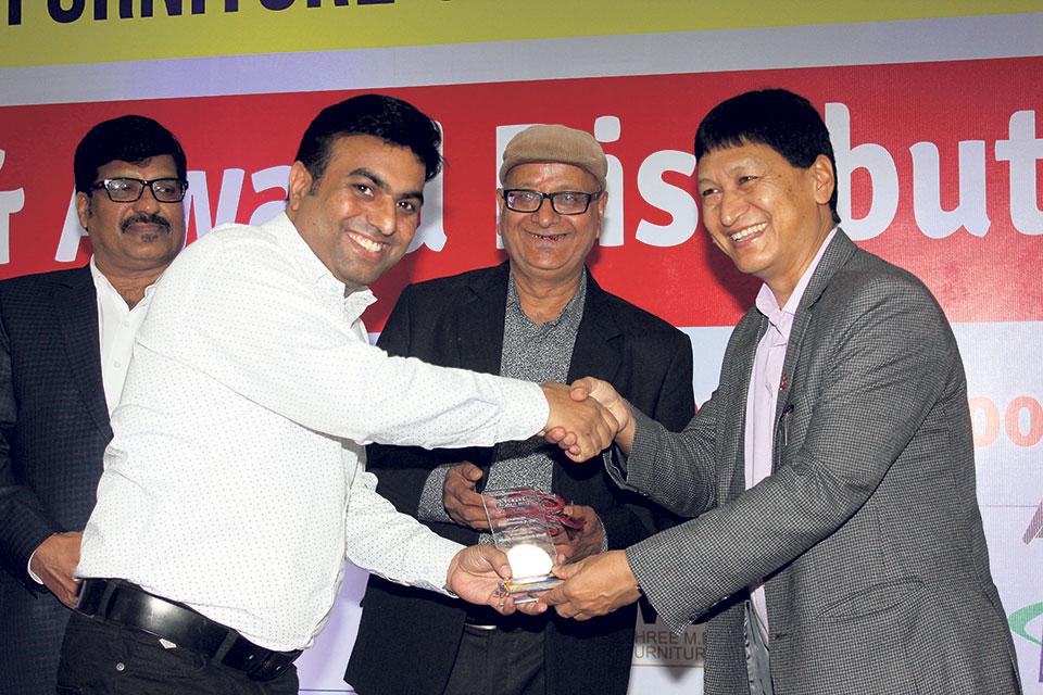 GEM Flooring wins 'Best Crowded Stall Award'