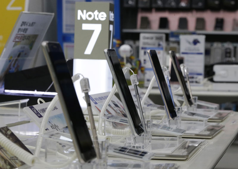Samsung: Batteries only problem with fire-prone Note 7s