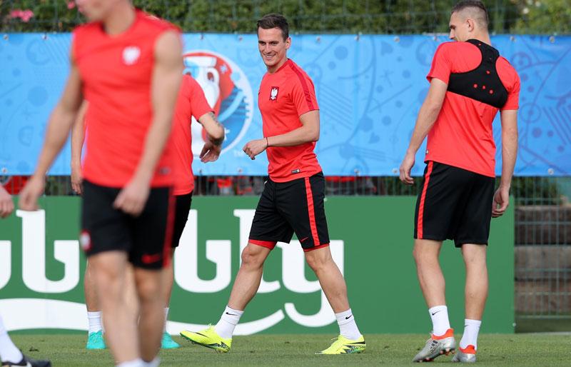 Poland striker Milik looked to Ronaldo for inspiration
