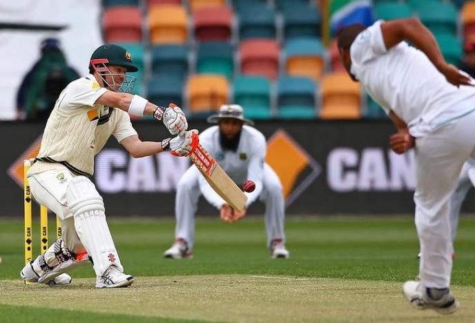 Australia's batting in crisis, says coach Lehmann