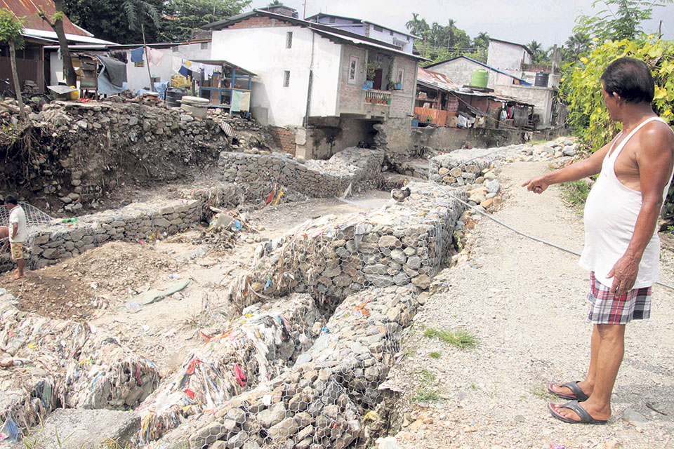 Rivulets pose risk to Dharan settlements