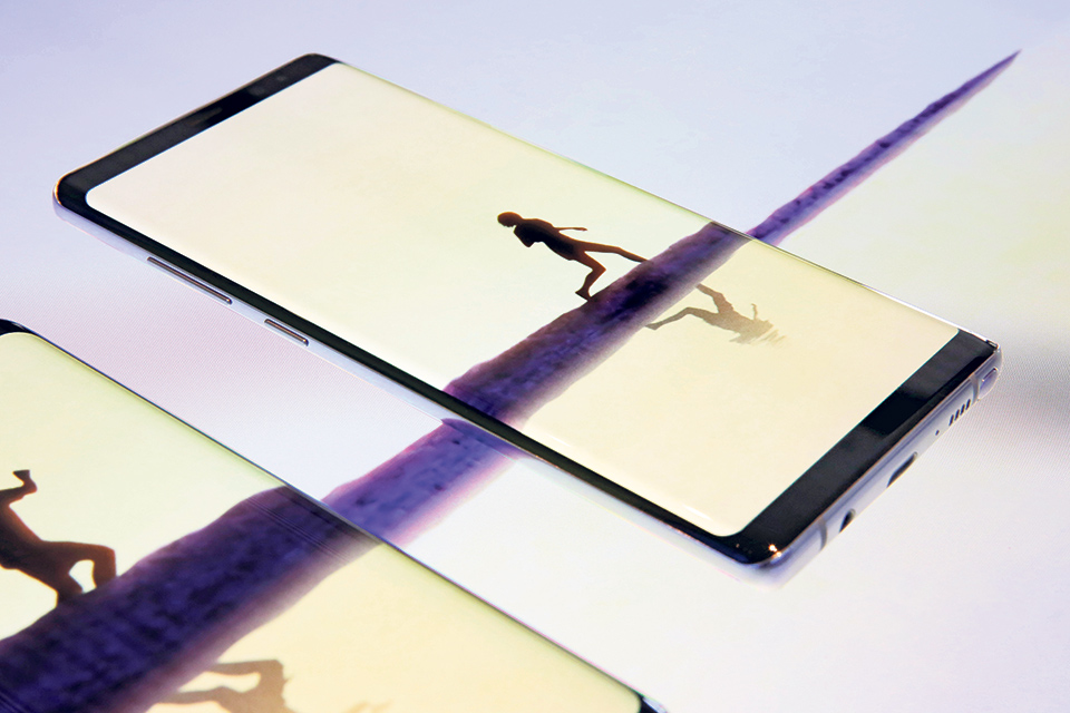Samsung Note 8 gives its stylus some style... for a price